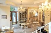 Cosy cafe interior — Photo
