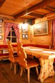 Restaurant with hunting decor — Photo