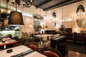 Klasické restaurace interiér — Stock fotografie