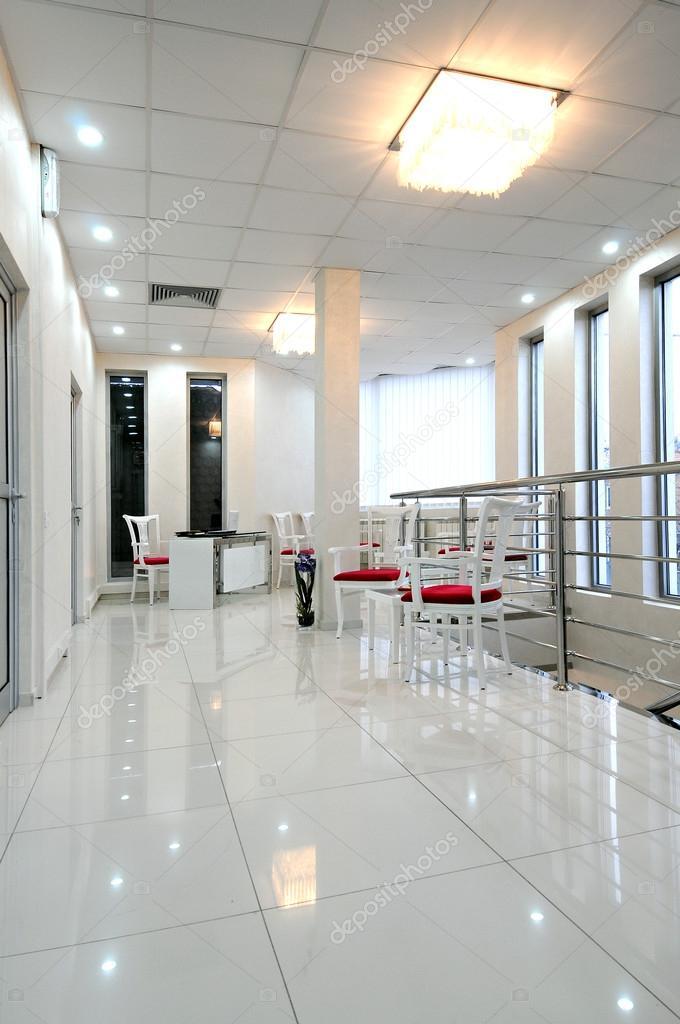 Moderni interni sala d 39 attesa foto stock markop for Interni moderni foto