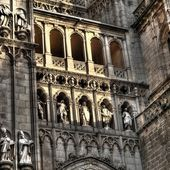 Facade detail of the Cathedral of Santa Maria, Toledo (Spain) — Stock Photo