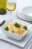 Pasta with fresh vegetables — Stock Photo