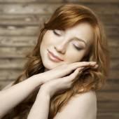 Beautiful redhead woman portrait — Stock Photo