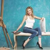 Ung kvinna konstnären — Stockfoto