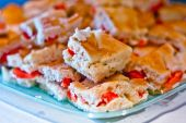 Focaccia with fresh tomatoes, mozzarella and oregano — Photo