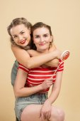 GIRLS WITH BIG CANDYS — Stock Photo
