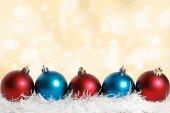 Blue and red Christmas balls gold — ストック写真