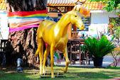 Altın at — Stok fotoğraf
