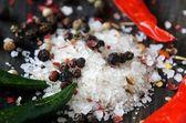 Coarse salt and pepper closeup — Stock fotografie