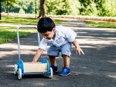 Latino dziecko bawiące — Zdjęcie stockowe