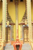 Thai temple front door detail — Stock Photo