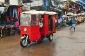 Weird car on a street in Monrovia. — Stock Photo