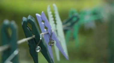 Clothespin on the wire — Stock Video