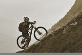 Mountainbike uphill — Foto de Stock