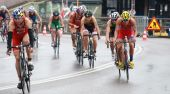 A group of cyckling competitors--2 — Stock Photo