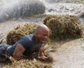 Muscular built man screaming — Foto de Stock