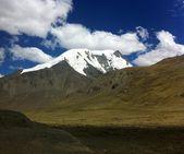 Mountains of Tibetan Himalaya — Stock Photo