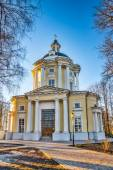 The Temple of the Vladimir Icon of the Mother of God in the estate Vinogradovo. — Stock Photo