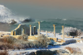 Winter storm off coast of ancient city hersonessa. Seascape. — Stock Photo