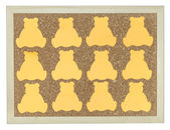 Yellow stick note on cork notice board — Stock Photo