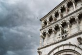 Lucca cathedral facade detail — Stock Photo