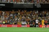 Valencia FC players celebrate the goal — Stockfoto