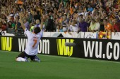 Jonas celebrate the second goal during UEFA Europe League semifinals match — Stock Photo