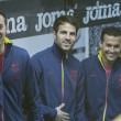 Left Sergi Busquets, center Cesc Fabregas and Pedro during Spanish League match — Stock Photo #52727013