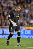 Victor Valdes during the game — Foto Stock