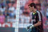 Iker Casillas warming up before the match — Stock Photo