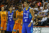 Federico Van Lacke 4 (R), Dwight Buycks 23, Nacho Martin 11, Pablo Aguillar 34 in action — Stock Photo