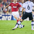 Darren Fletcher (L) and David Albelda (R) during the game — Stock Photo #57374891