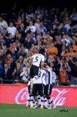 バレンシアのチームの目標を祝う — ストック写真