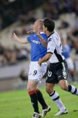 Ricardo Costa (R) and Kenny Miller (L) during the game — Stock Photo