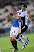 Ricardo Costa (R) and Kenny Miller (L) during the game — Foto de Stock