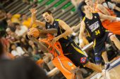 Spanish Basketball Liga game Valencia Basket against Estudiantes — Stock Photo