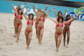 Women dancing during Nestea European Championship Final — Stock Photo