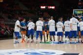 Valencia Basket Club and CSU Asesoft Ploiesti players — Stock Photo