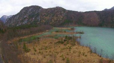 Lake in the alps, aerial view austria, Almsee, almtal — Stock Video
