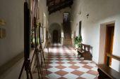 Roman abbey cloister — Stock Photo