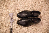 Shoes and bow tie groom — Stockfoto