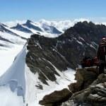 Climbing Mönch ridge on a sunny summer day, The Alps, Switzerland — Stockfoto