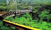 Metal bridge on the way to Volcano Arenal and La Fortuna, Costa Rica. — Stock Photo