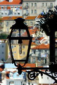 Street lamp in Lisboa's Barrio Alto, Portugal. — Stock Photo