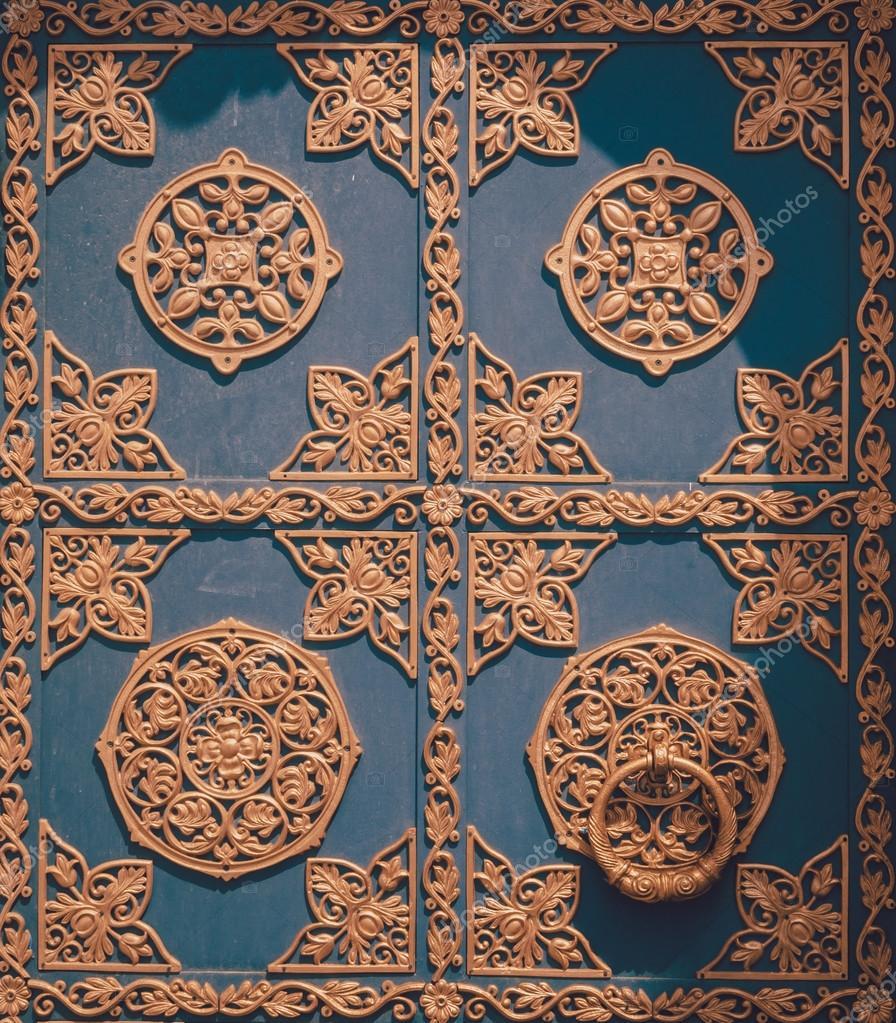 Konst smide skicklighetsspel. smidda gotiska ornament ...
