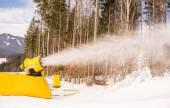 Machine for spraying . Ukraine, Carpathians. The Resort Bukovel — 图库照片