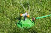 Irrigation system lawn — Stock Photo