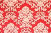 Tapeta, barokowy projektu, czerwone tło z tekstury złotej róży kwiat — Zdjęcie stockowe
