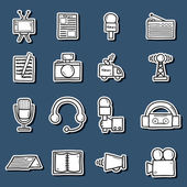 Conjunto de adesivos no estilo de catroon mão desenhada sobre o tema jornalismo: jornal, tv, antena, microfone, câmera, van. Conceito de mídia de massa — Vetor de Stock