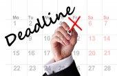 Deadline date on calendar — Stock Photo
